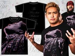 新日本プロレスリング/新日本プロレスリング/オカダ・カズチカ「NANIGAKAITERUDESHOW?」Tシャツ