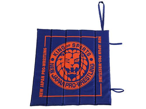 新日本プロレスリング/新日本プロレスリング/ライオンマーク スタジアムクッション(ネイビー×オレンジ)